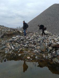 Etsiskelimme merilohen nousureittejä korkealta ylänköjen vuoripuroista.